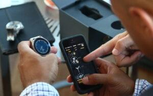 FitBit cumpara Vector watch